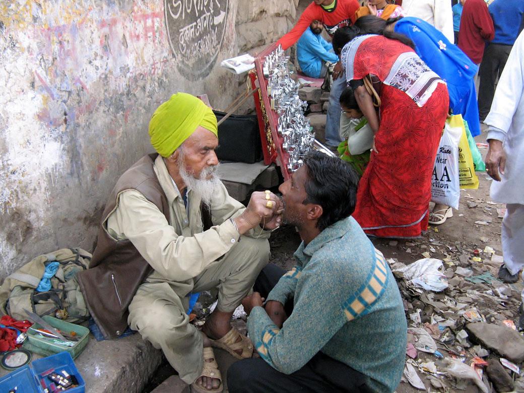 Strassenzahnarzt Indien