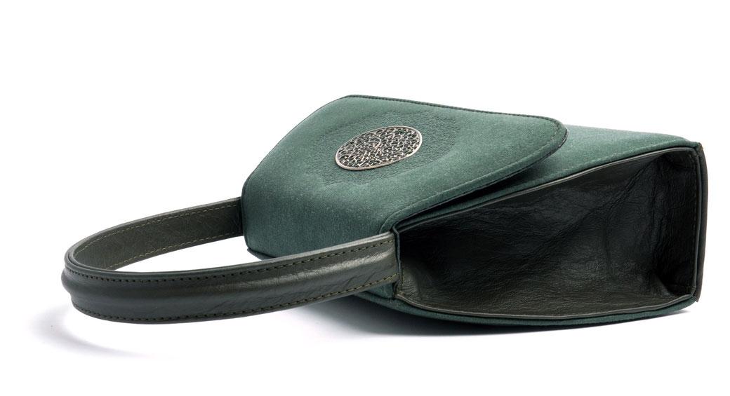 Edle Trachtentasche EMMA grün Handarbeit aus der  Ledermanufaktur OSTWALD Tradition