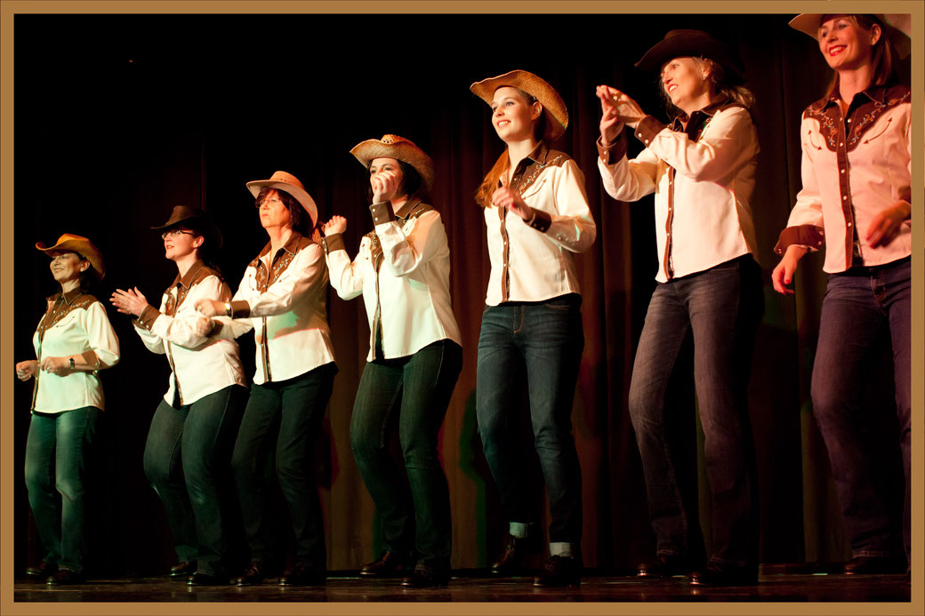 Clogging Line Dance Square Dance München Munich Germany, Vintage Dance Studio Silvia Plankl, Steptanz Stepptanz Tap Dance Westernstyle, Schülershow, Tanzstudioshow, Tanzschul-Aufführung