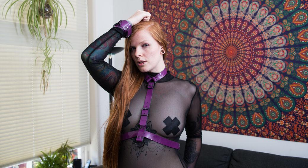 purple harness purple chest harness bdsm bondage harness purple leather harness paars harnas paars borstharnas paars bondage harnas leren riemen harnas fetish harness bdsm harnas