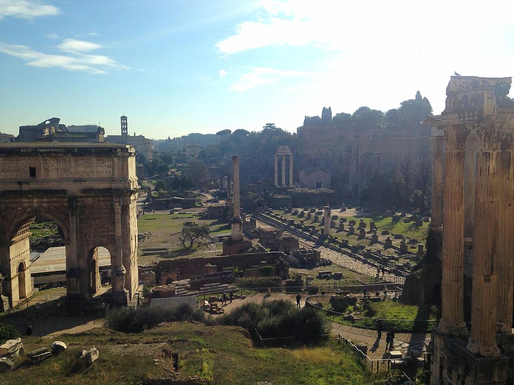 Ausblick vom Tabelarium auf das Forum Romanum