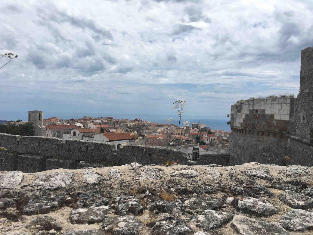 Gargano - Ausblick von Monte Sant´Angelo aufs Meer