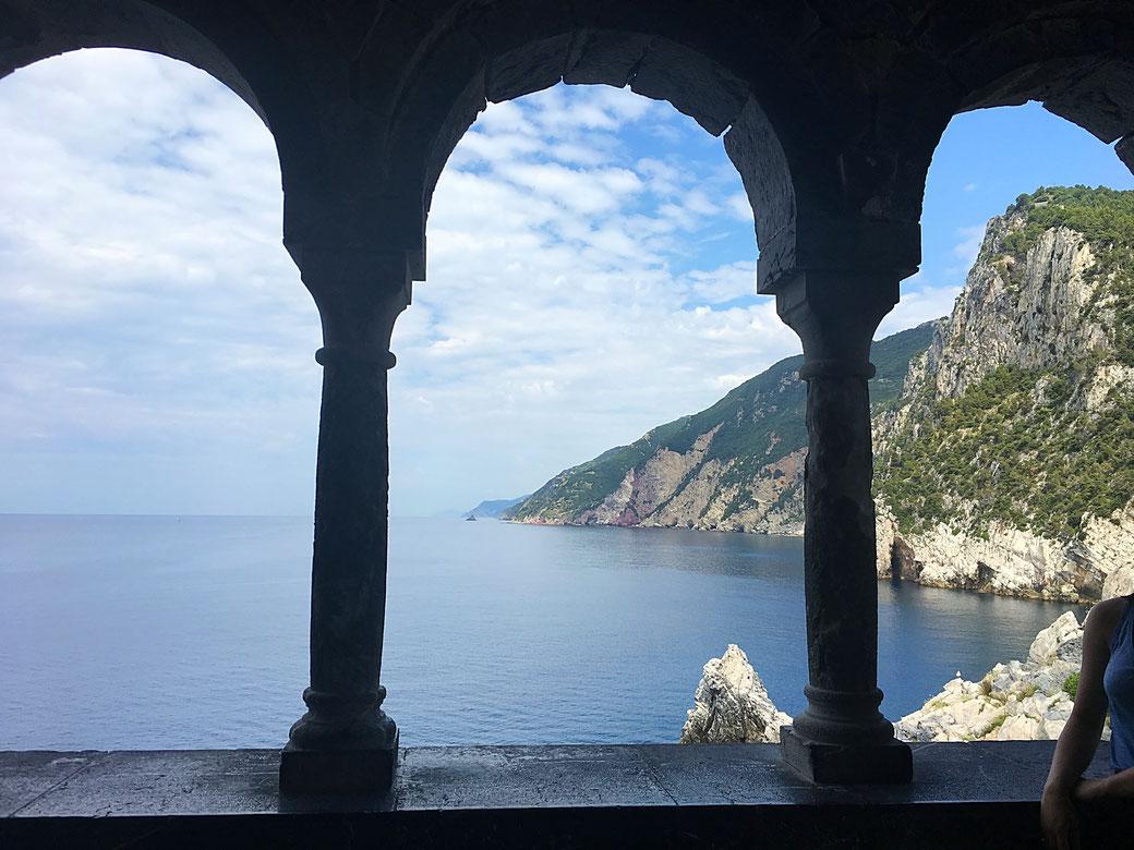 Blick auf die Küste von Portovenere aus - Um die nächste Ecke liegen auch schon die Cinque Terre