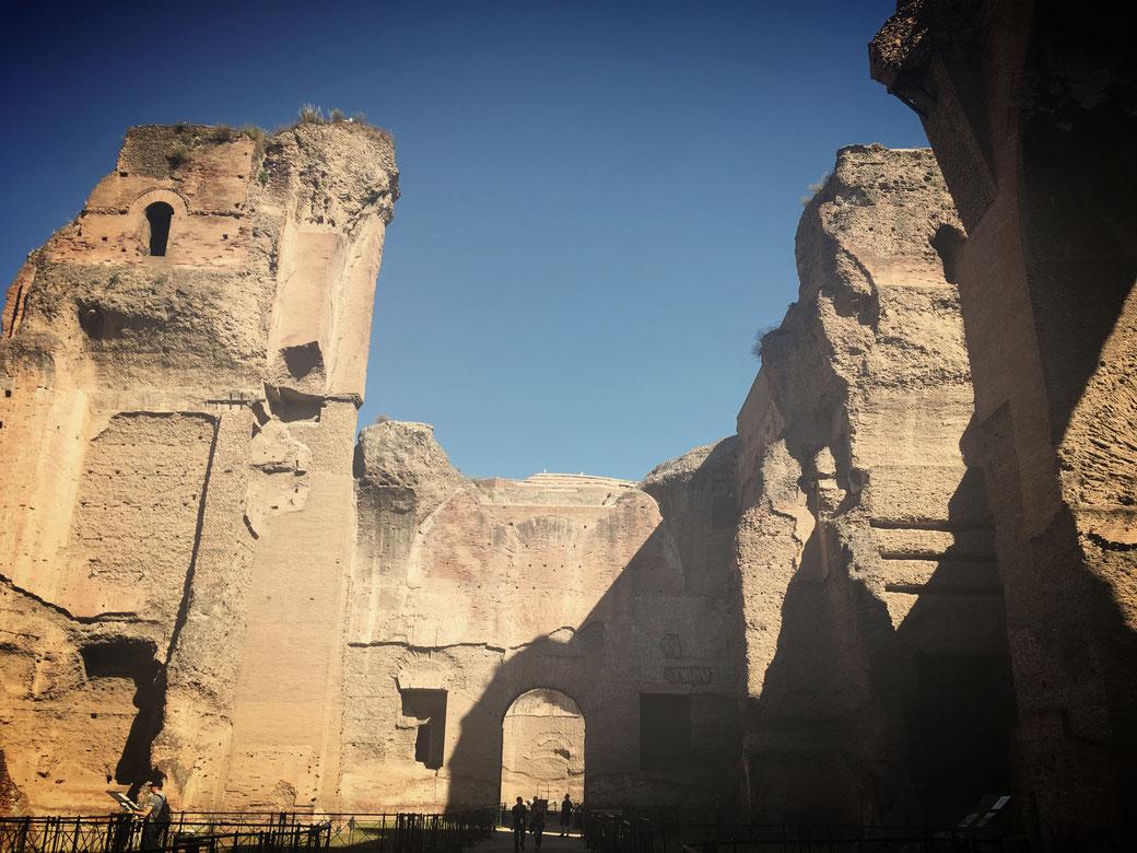 Die Caracalla-Therme sind vor allem bei knallblauem Himmel sehenswert.