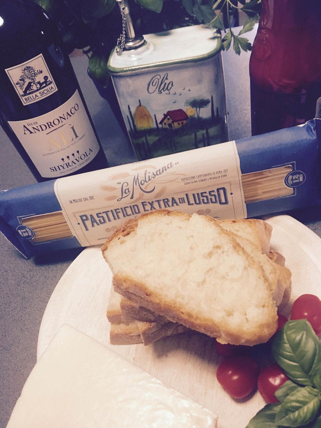 Das berühmte Brot von Filomena und Pasta aus Molise.