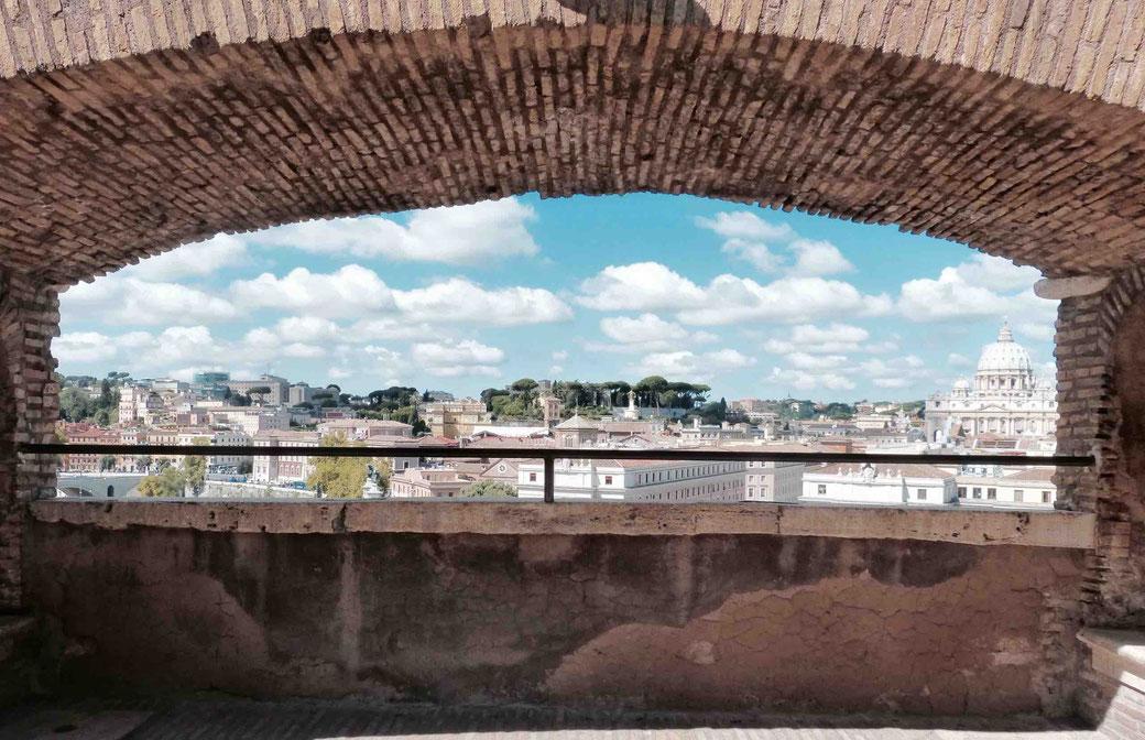 Engelsburg: Ausblick auf den Petersdom