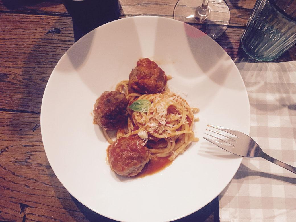 Rezepte aus Italien - Polpette alla Filomena - Fleischklösschen in Tomatensauce nach Schwiegermutter-Art