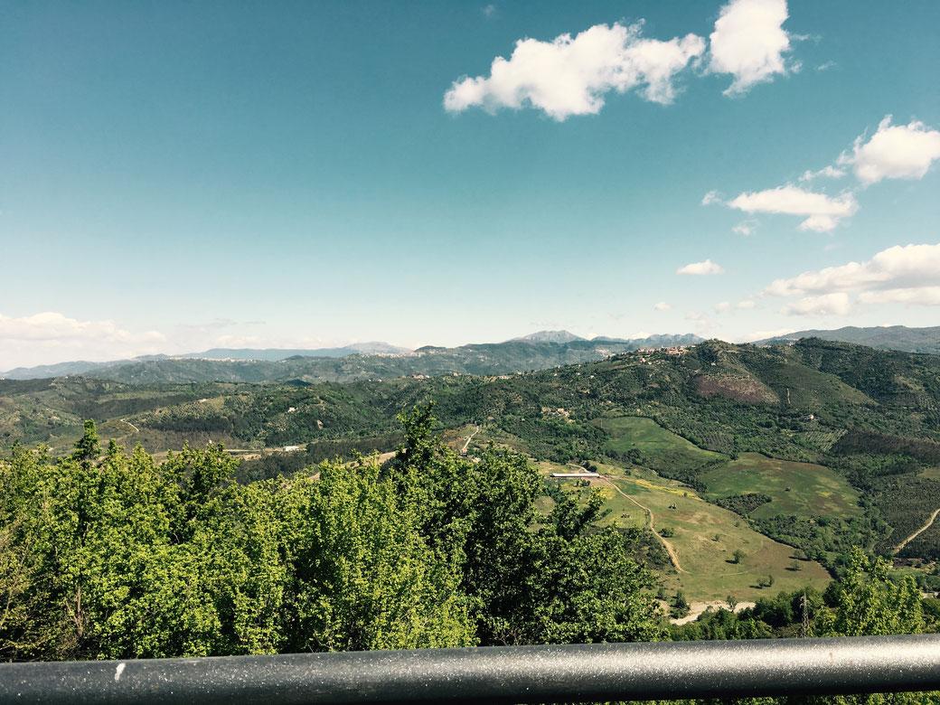 Grüne Entschleunigung - An den Ausblicken ins Landesinnere des Cilento kann ich mich zumindest nicht sattsehen.