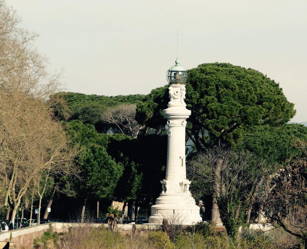 Ein Leuchtturm in Rom? Ja auf dem Gianicolo über Trastevere.