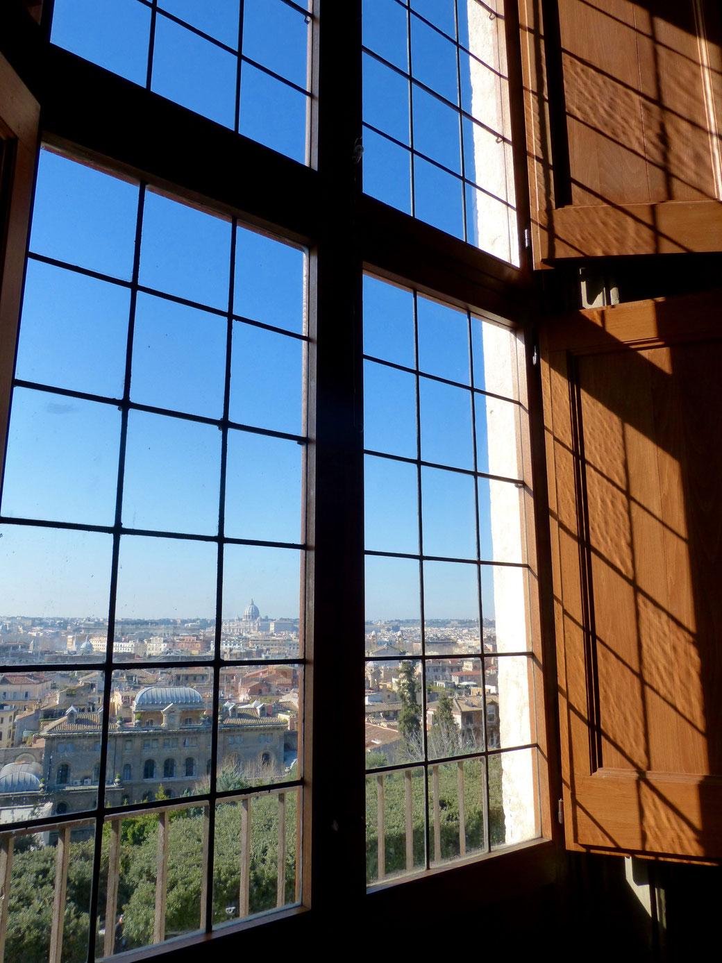Der schönste Fensterblick in Rom