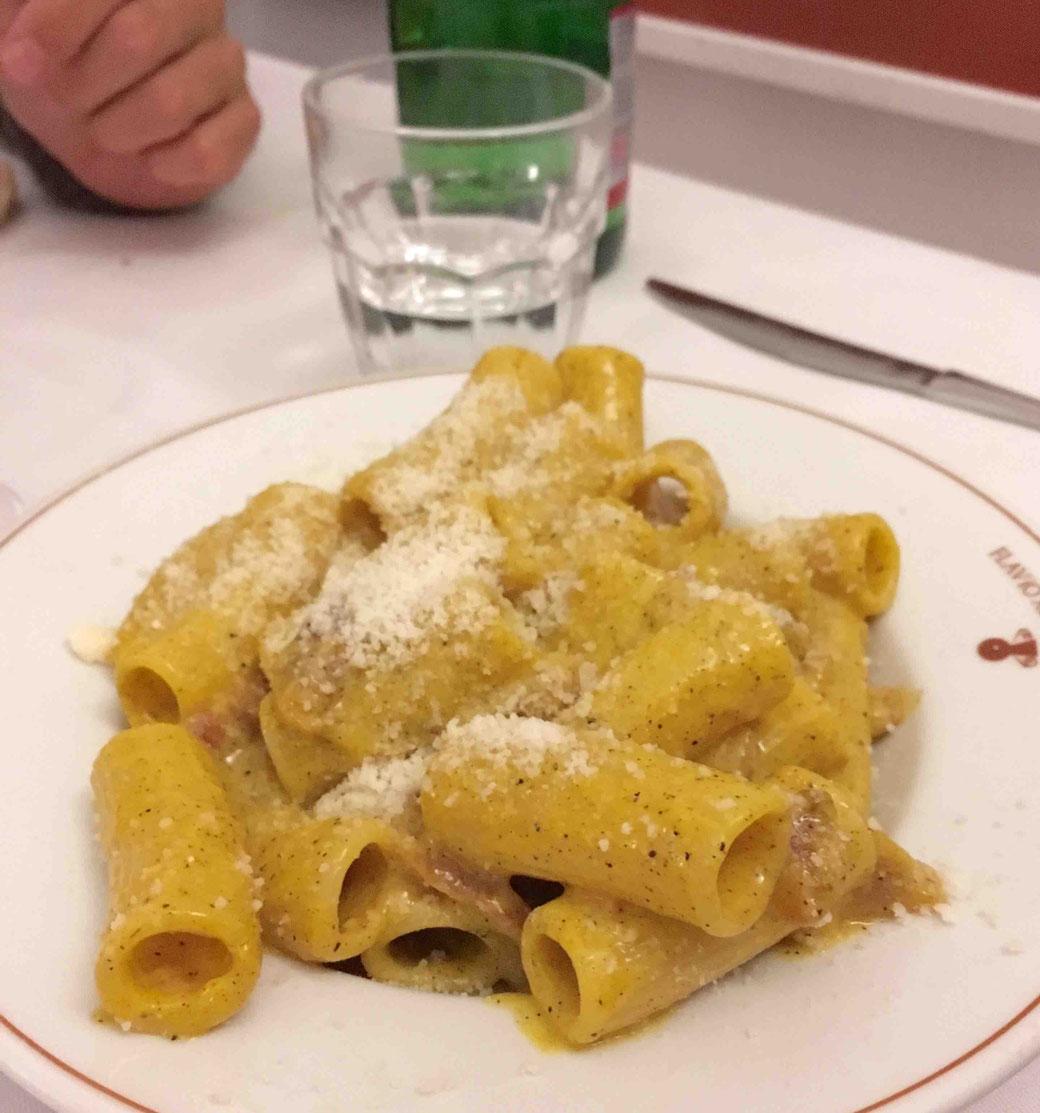 Römer lieben Pasta! Vor allem auf ihre Carbonara sind sie mächtig stolz.