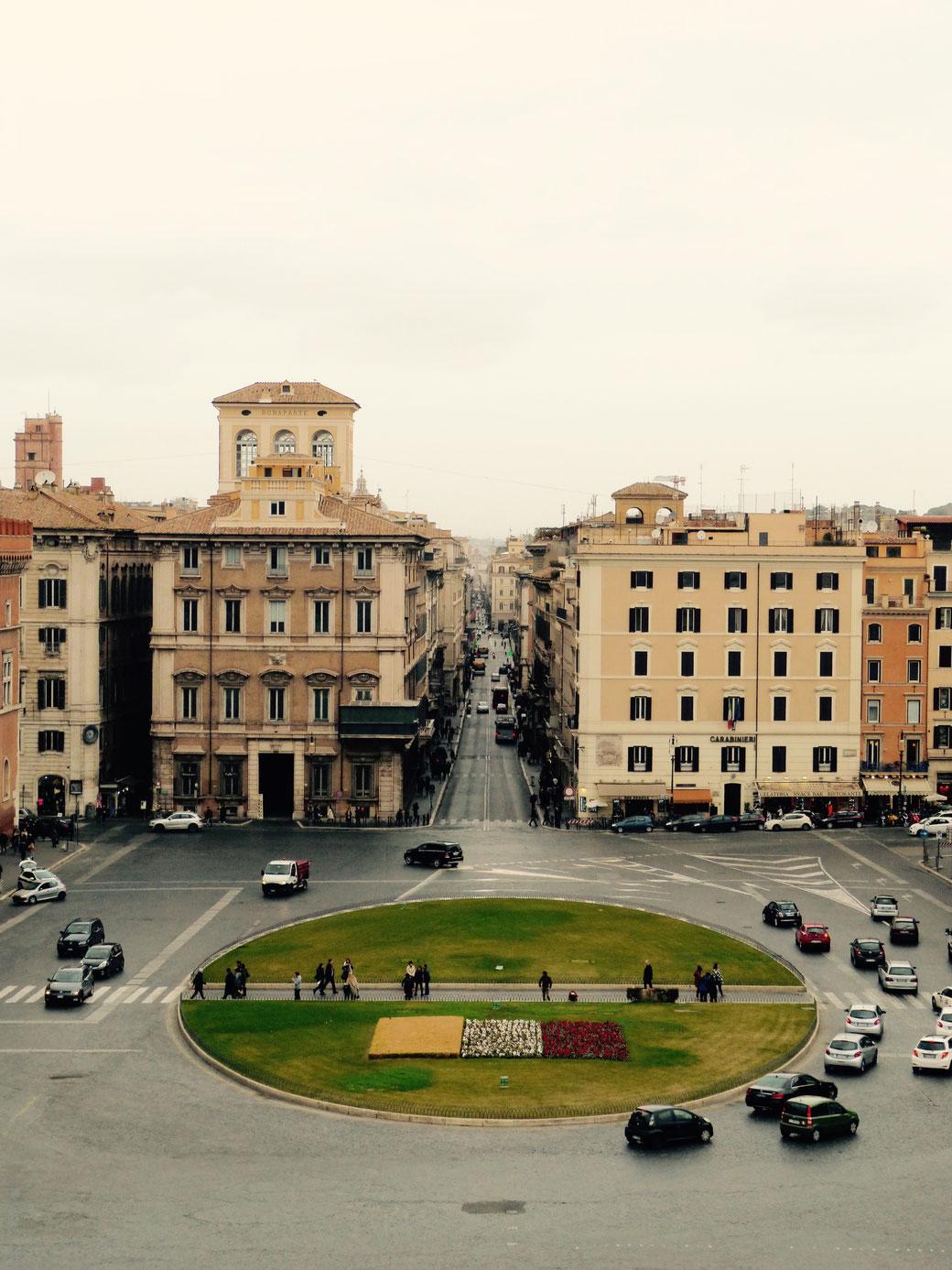 Der Palazzo Bonaparte (links) liegt an der Piazza Venezia und öffnet ab dem 6. Oktober 2019 seine Pforten für die Öffentlichkeit.