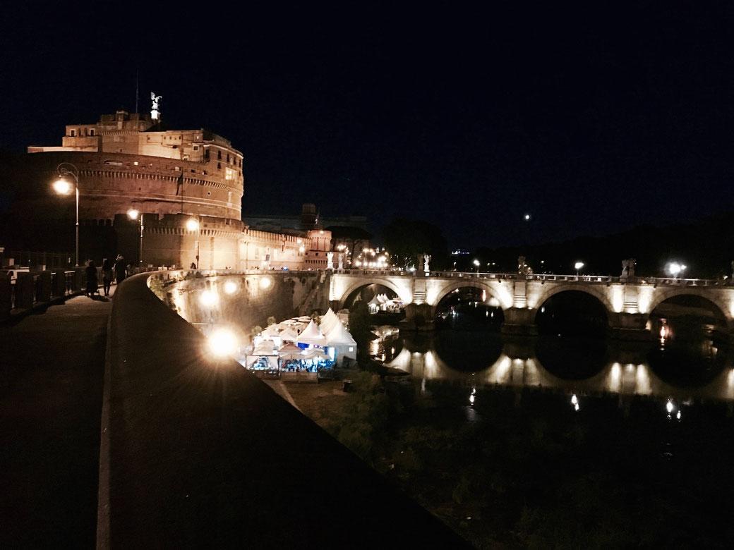 Nachtleben in Rom am Tiber