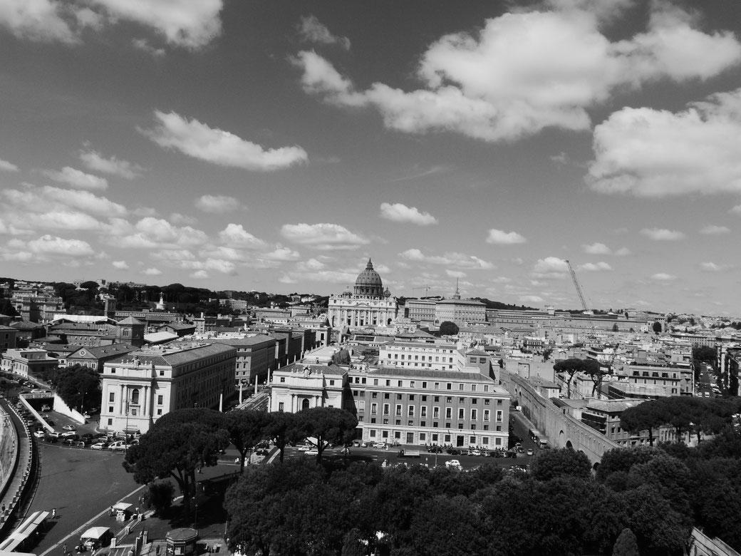 Engelsburg - Blick auf den Petersdom