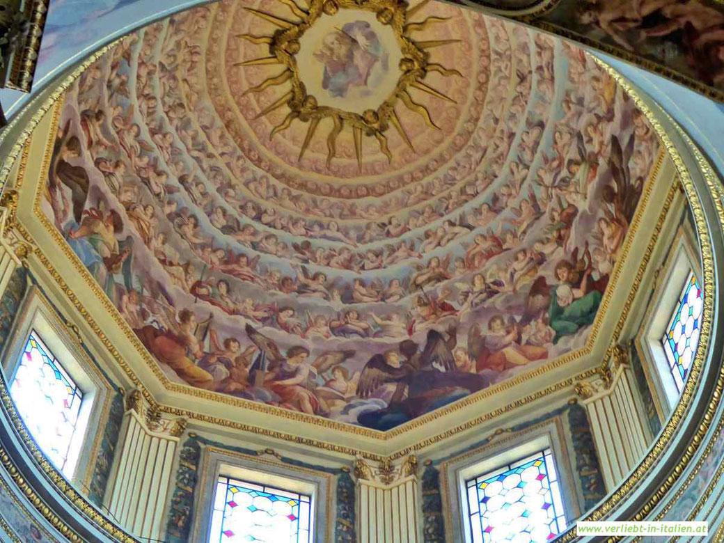 Mantua - Im Dom schweben die Engel