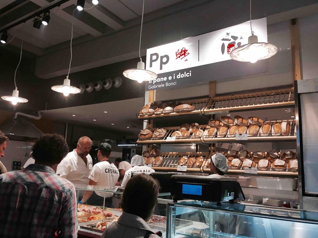 Mercato Centrale in Rom - Ein Street-Food-Court voller italienischer Genüsse.