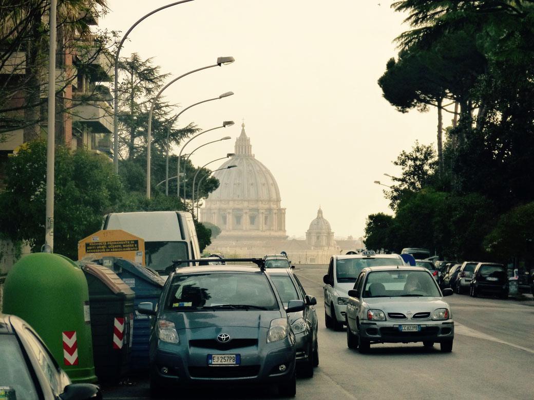 Via Piccolomini - Ein ungewöhnlicher Ort in Rom