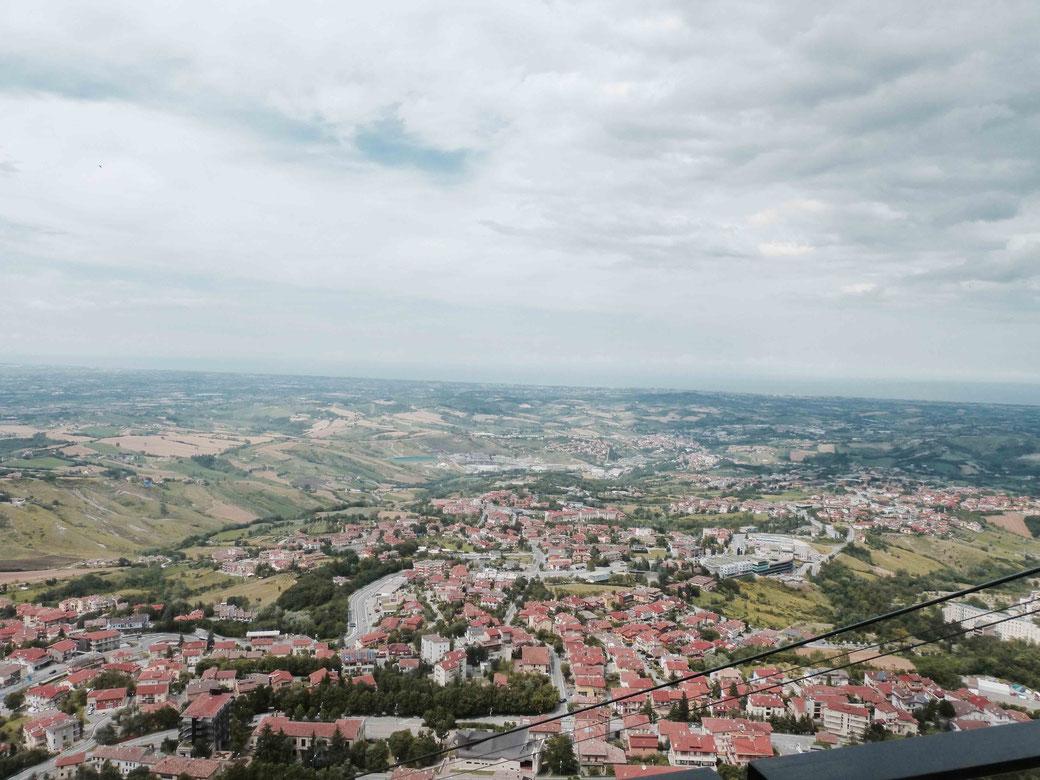 San Marino - Der Ausblick auf die Küste ist atemberaubend!