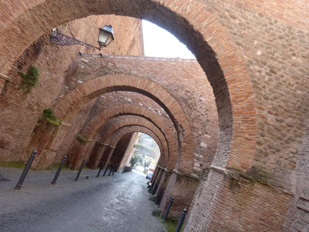 Clivio di Scauro auf dem Monte Celio - Hier liegen abseits der Touristenpfade die Case Romane.