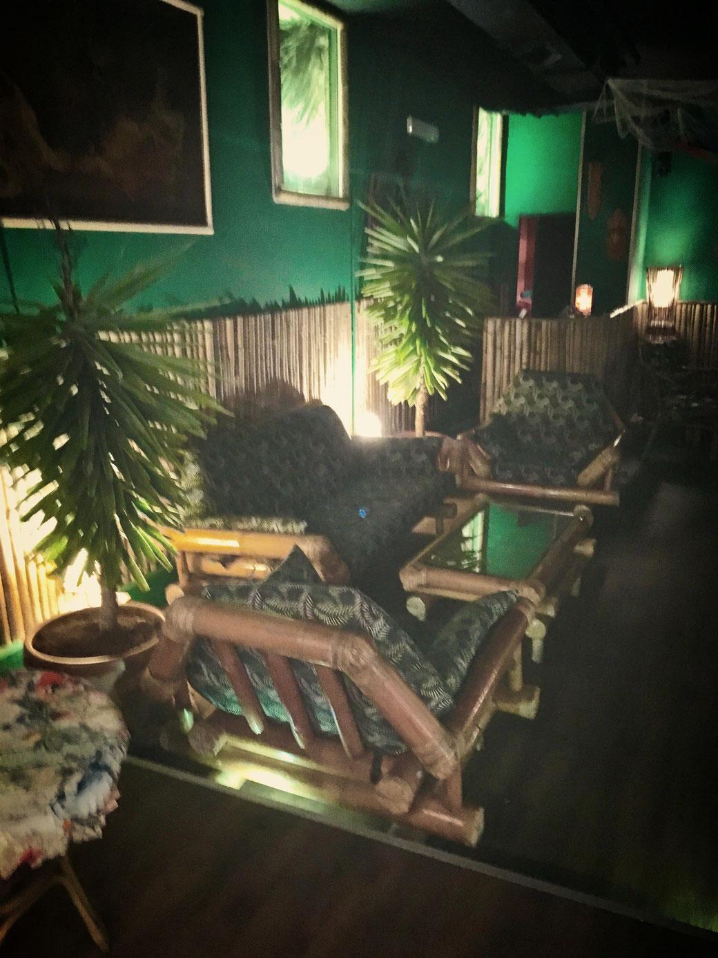 Ganz viel Bambus und Aloha-Feeling im Erdgeschoss.