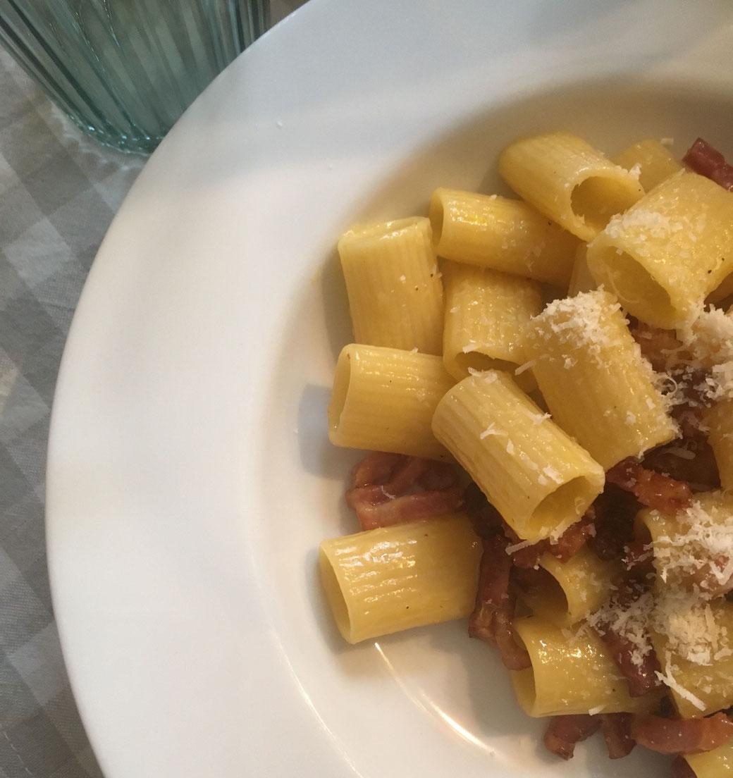 Buon Appetito! Auf vorgewärmten Tellern schmeckt die Pasta am besten.