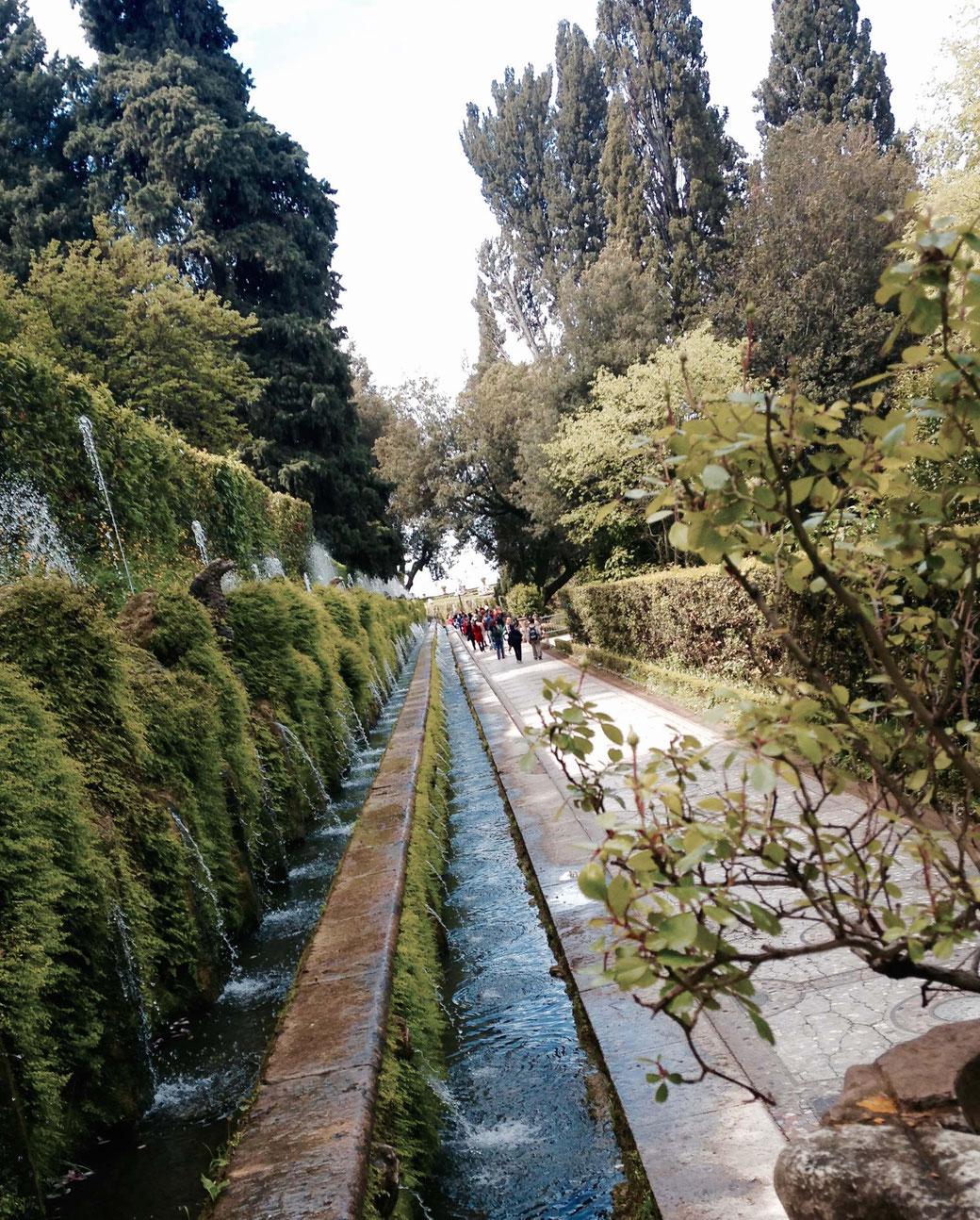 Villa d`Este in Tivoli - Die Allee der hundert Brunnen