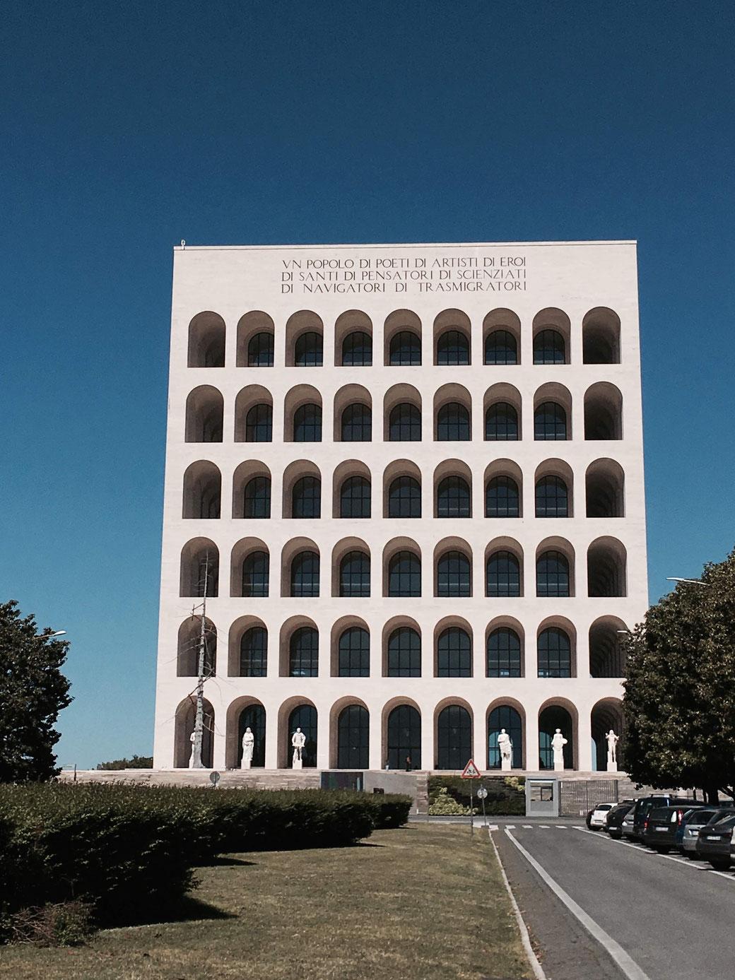 Das colosseo quadrato im Stadtviertel EUR