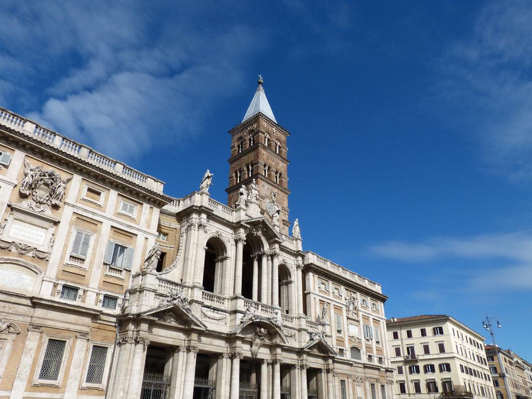 Die Basilika di Santa Maria Maggiore liegt auf dem Esquilin-Hügel.