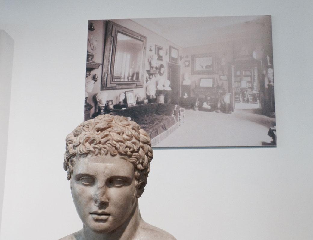 Hier geht´s um den Hintergrund: Das Foto zeigt die Wohnung von Giovanni Barrocco in Rom.
