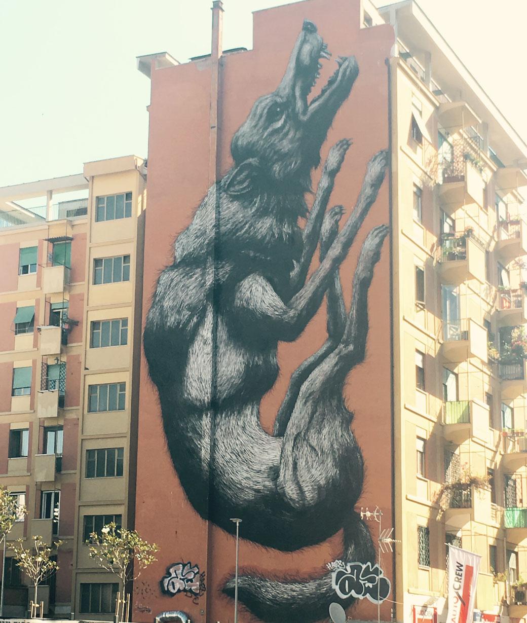 Streetart in Rom - Jumping Wolf in Testaccio - Ein Werk des belgischen Street-Artisten ROA.