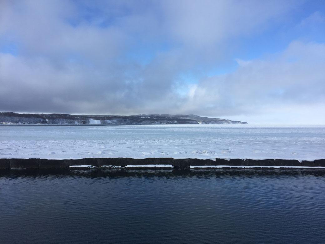 スタッフブログ 管理栄養士 自己紹介 写真2(冬のオホーツク海)