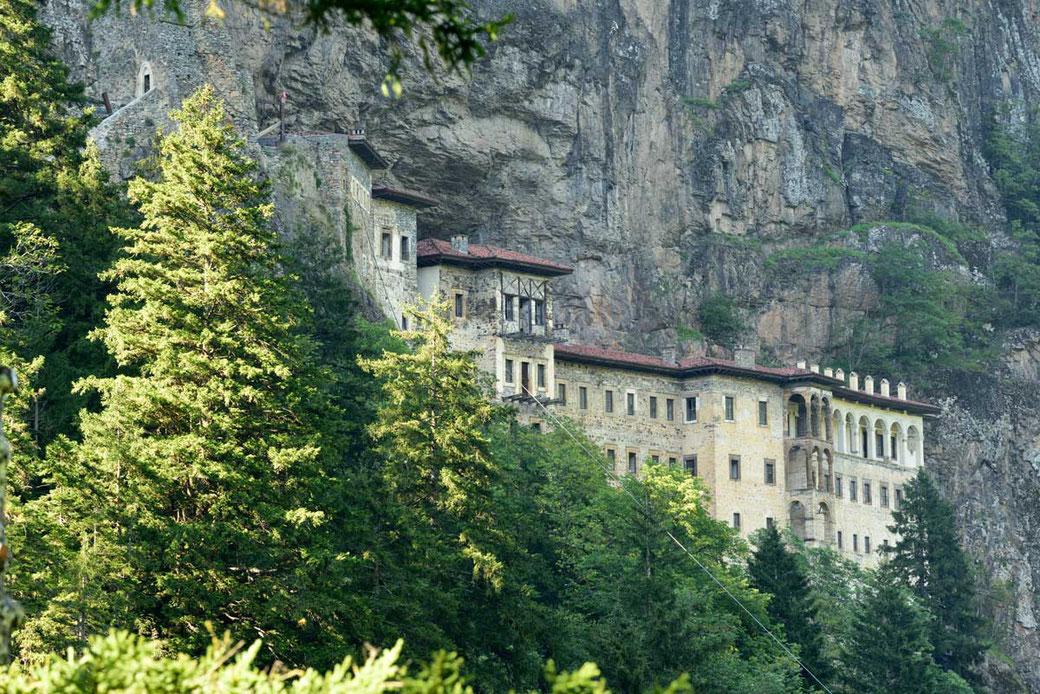 Pangaea Olivenöl aus Griechenland – Soumela Kloster auf dem Berg Mela in der Nähe von Trabzon von Pontos (Nordtürkei)