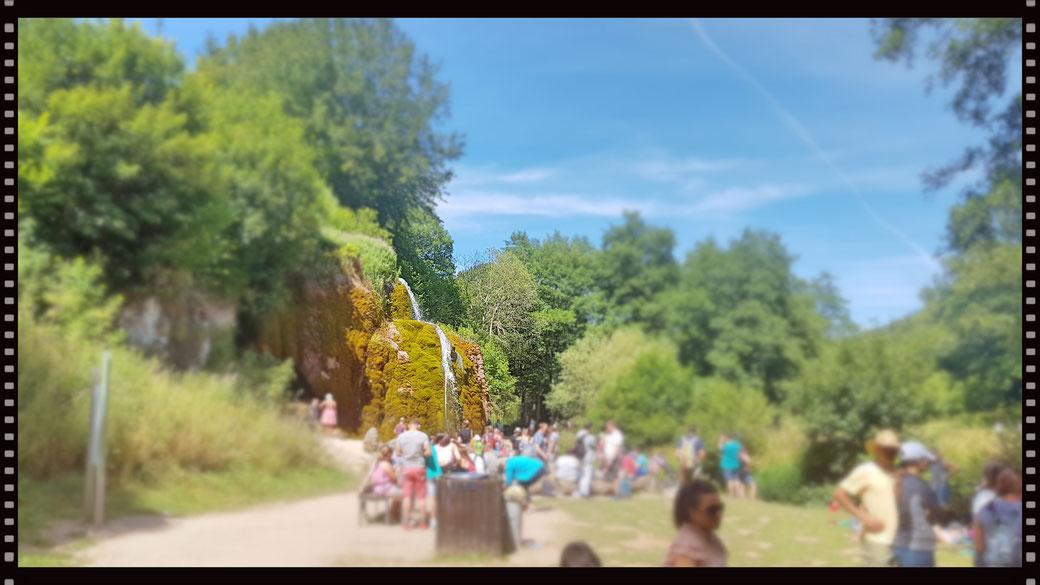 Einsame Waldidylle am Dreimühlen Wasserfall? Nicht an einem Sonntag in den Sommerferien, das wäre eine Illusion!