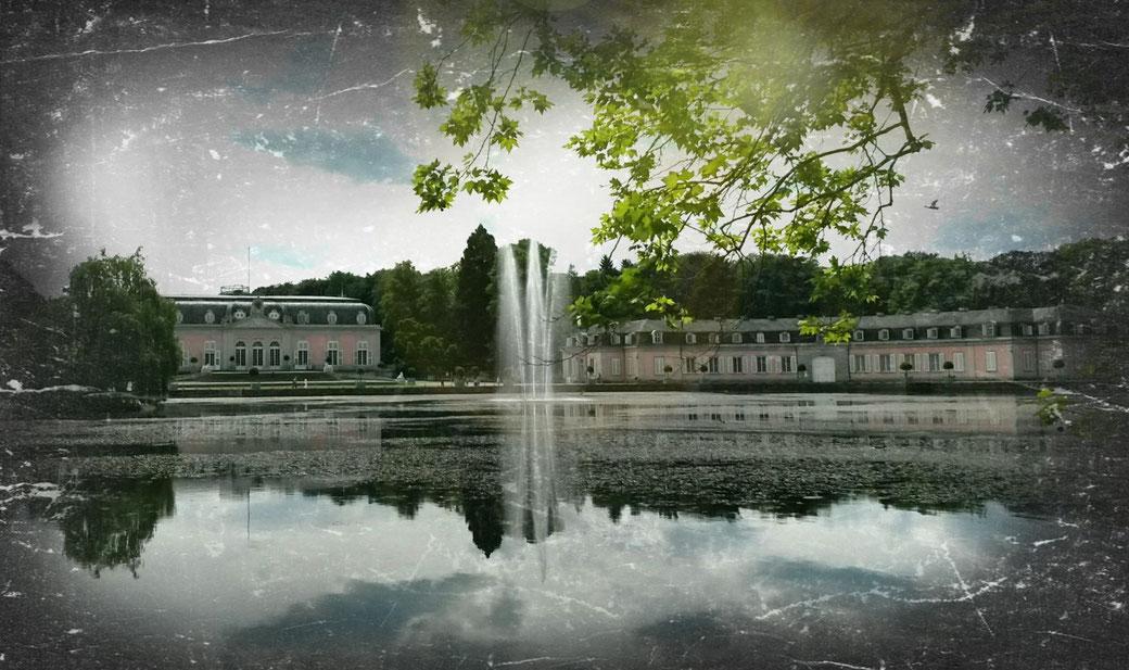 Vintage-Stil: Schloss Benrath im Düsseldorfer Stadtteil Benrath