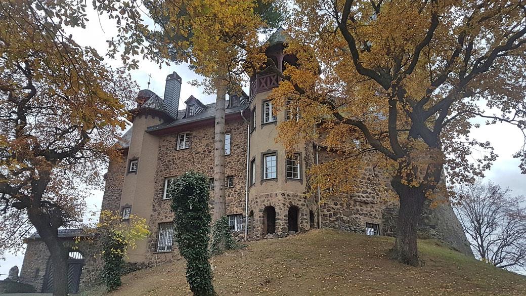 Burg Okenfels, Privatbesitz