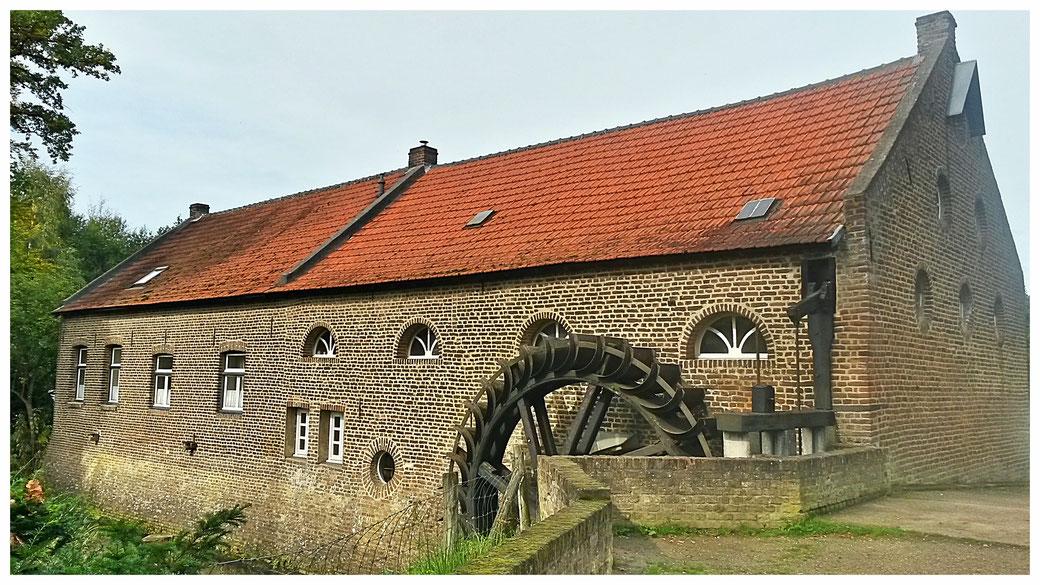 Die Gitstapper Mühle wird seit rund 1.000 Jahren als Wassermühle genutzt. Auch heute noch wird hier Korn gemahlen.