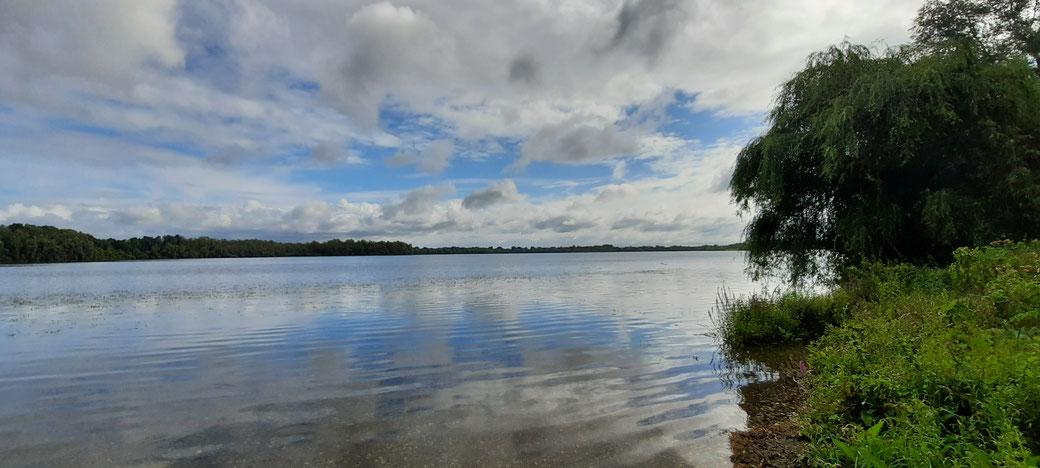 Wolken und Wasser am Auesee