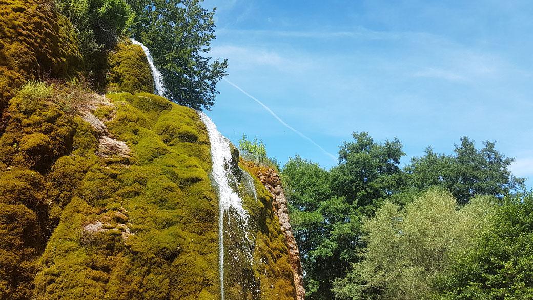 Das Highlight in der Eifel: der Dreimühlen Wasserfall, benannt nach der gleichnamigen Ruine entlang des Wanderweges