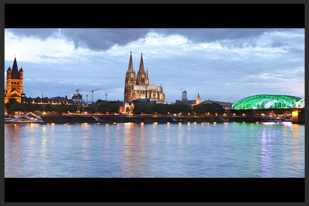 Abendstimmung am Kölner Rheinufer - aufgenommen mit einer CANON EOS 77d