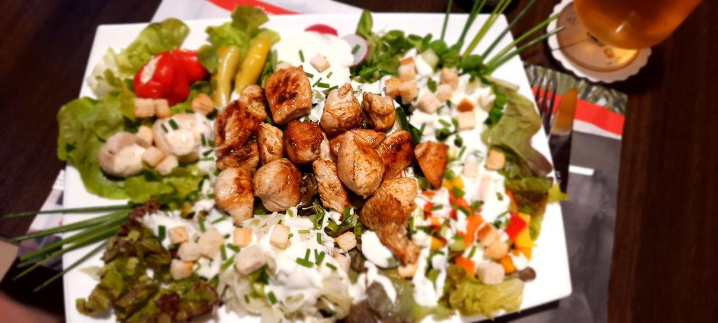 Der Chef Salat im Bootshaus - was leichteres zur Nacht ;o)