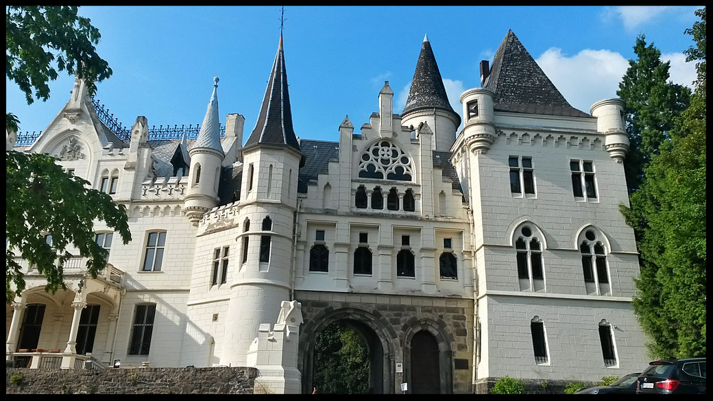 Schloss Kommende Ramersdorf - das Zuckergußschloss