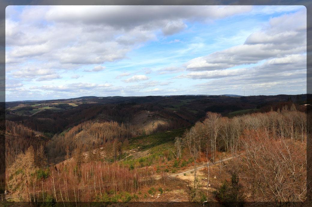 """Weite Fernsichten vom Aussichtspunkt """"Auf dem Knollen""""-aufgenommen mit Canon EOS 77 d"""