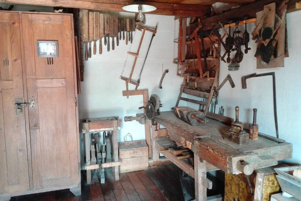 Spannender Einblick in eine Tischlerei-Werkstatt im Dorfmuseum Mönchhof.