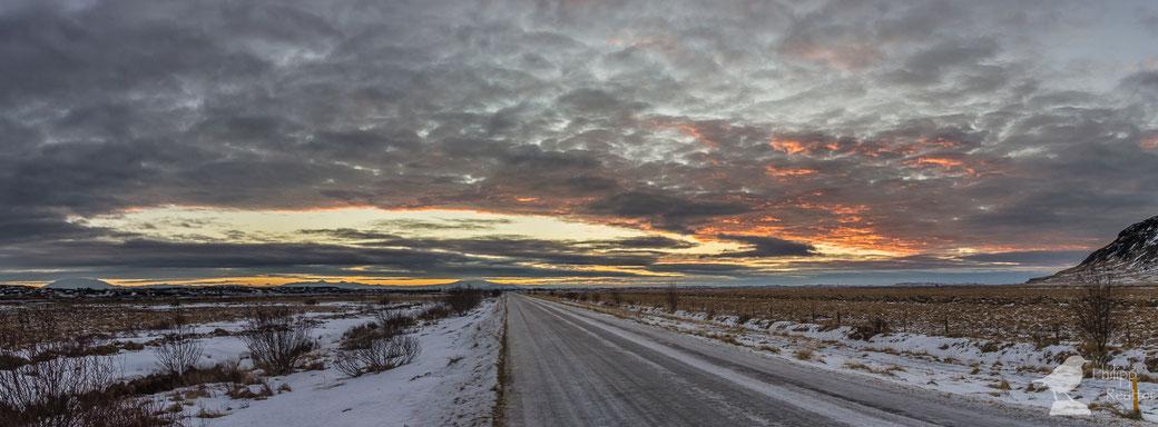 Isländischer Sonnenaufgang