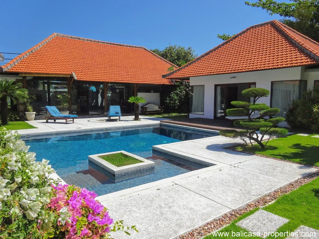 Sanur beach side villa for sale with 3 bedrooms