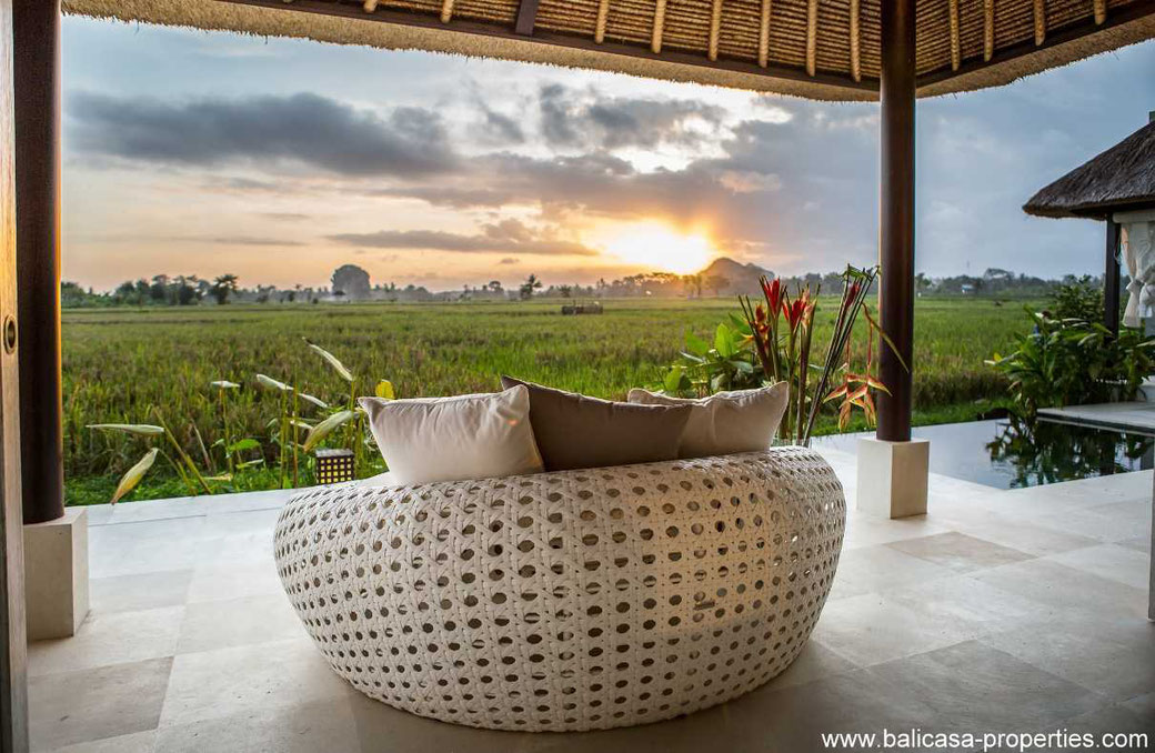 South Ubud villa for sale with 1 bedrooms and a rental license.