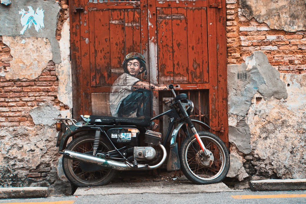 Streetart in Georgetown mit Motorrad