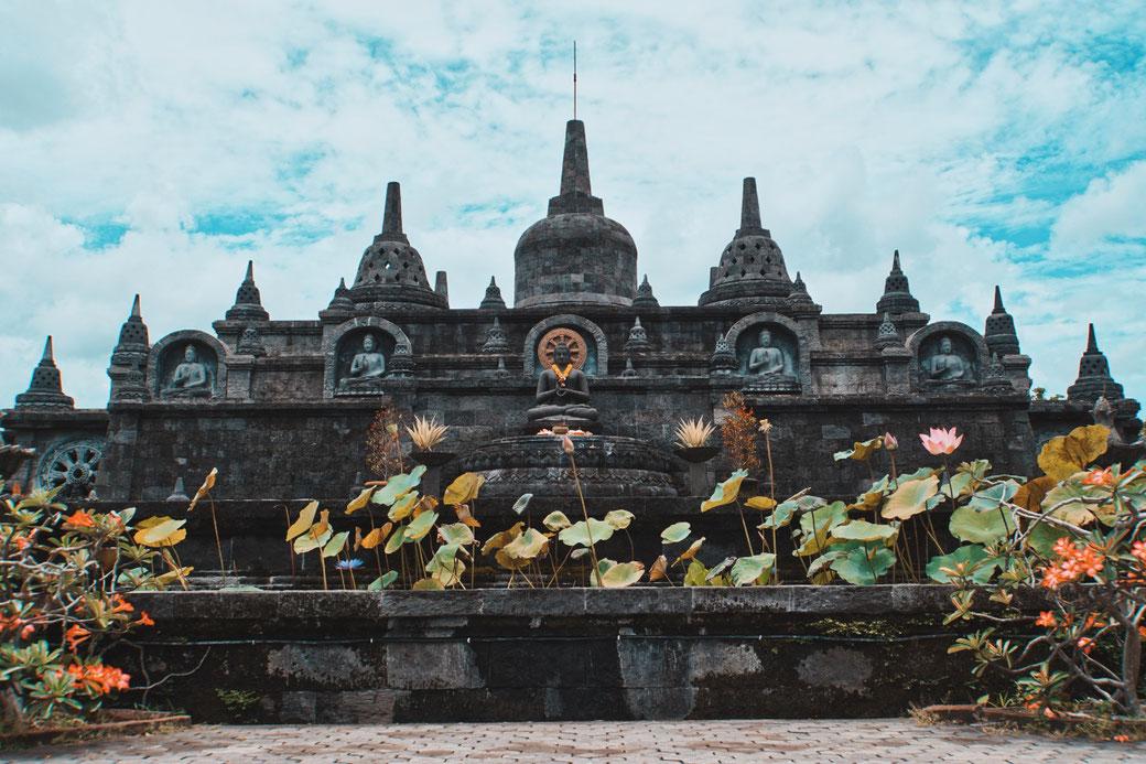 Budhistischer Temple auf Bali in Munduk