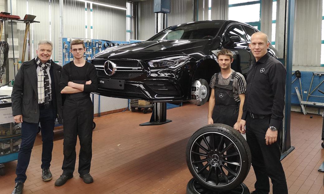 Die Schüler absolvierten ein Praktikum im STERNAUTO Mercedes Magdeburg