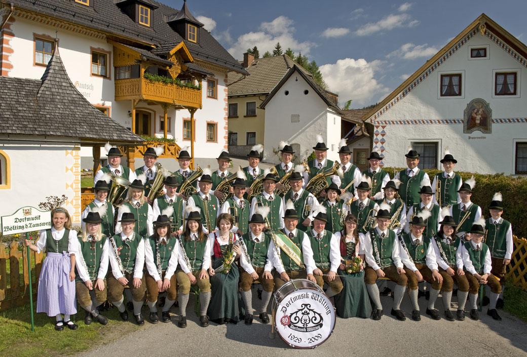 Gruppenfoto der Dorfmusik Wölting 2009